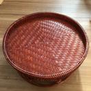 アジアン雑貨のテーブル