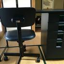 机と椅子のセット