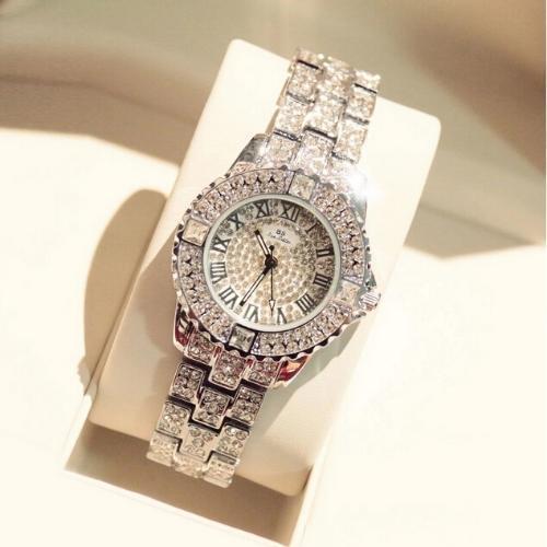 腕時計レディースキラキラアクセサリーラインストーン (watabe)  大阪のアクセサリー《腕時計》の中古・古着あげます・譲ります ジモティーで不用品の処分