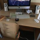 机です。ニトリで購入