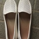 M 白い靴