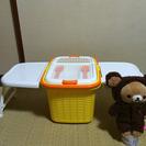 テーブル付きのピクニックバスケット − 富山県