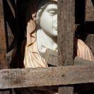 女の人の石像