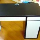 まだ綺麗な机