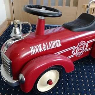 幼児向け乗用玩具 消防車 HOOK&LADDER