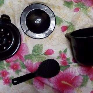 電子レンジ専用炊飯器  ちびくろちゃん2合炊き(本体としゃもじ付き)