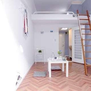 デザイナーズ物件 広々としたロフトつきのおしゃれな1Kアパートメントです!初期費用無料プランもありますの画像
