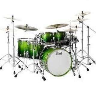 ドラム教えます 。   ロック、ジャズ、ラテン、フュージョン