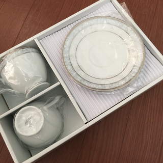 ノリタケ ハンプシャープラチナ ティー・コーヒー碗皿ペア