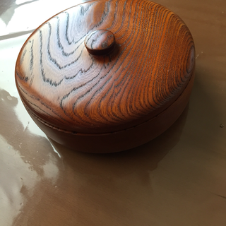 新品 木彫り蓋つき