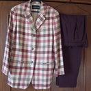ANNE KLEIN Ⅱのチェック柄のパンツスーツ
