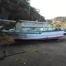 FRP製中古漁船、釣りボート。9.9PS船外機付き