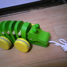 引っ張る木のおもちゃ(プラントイ製 ダンシングアリゲーター)譲ります