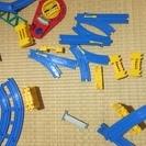 プラレール線路いっぱいと電車いっぱい