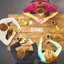 カフェでルービックキューブを教えます - 娯楽