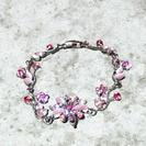 とても綺麗な花デザインのブレスレッド プレゼントにどうですか?