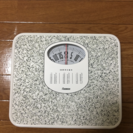 【ほぼ新品】体重計の画像