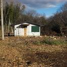 東京へ通勤可能な野中の一軒家をお探しの方におすすめです。森に囲まれ...