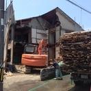 解体作業現場での補佐、雑用 - 建築