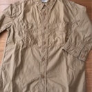 七分袖ベージュのシャツ