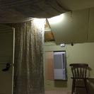 レトロ&隠れ家風のユニークな造りです。未入居の屋根裏部屋2間付き3...