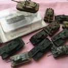 戦車のミニカー、長期飾っていたものですがよかったらもらってください。
