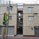近畿大学近くの賃し店舗です。近鉄大阪線長瀬駅より徒歩1分。家賃6万円