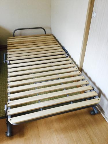 折りたたみすのこベッド ニトリ シングルベッド (よっち) 武蔵砂川の