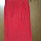 赤色スカート