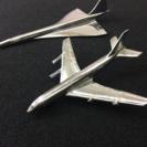 スチール製の飛行機 2台