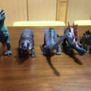 恐竜フィギュア5つ