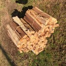 【引き取り限定】杉(皮なし)の薪、キャンプファイヤー、ストーブの焚...