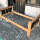 【無料】【千葉県】【ベッドフレーム  2台】 丈夫な木材のベッドフレーム