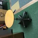 無印良品で購入した丸テーブルです。