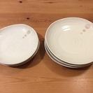陶器の白皿、大中サイズ各3枚、計6枚セット。欠けは全く無し…