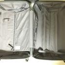 壊れたスーツケース/キャリアケース - 生活雑貨