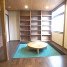 京都の左京区にあるシェアハウスです♪共用スペースで談話、作業、ネッ...