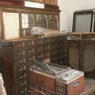 【打ち合わせ中】倉庫整理 あげます。古い棚、机、など