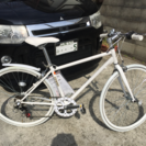 未使用新品の白いクロスバイク