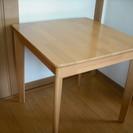 二人用ダイニングテーブル 67×67×高さ68