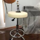 クルクル回って上下調節可能なオシャレな椅子