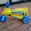 足でこいで遊ぶ三輪車 - おもちゃ
