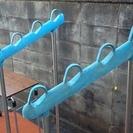 【商談中】布団、洗濯物干しスタンド 状態は良くないのですがまだまだ使えます 竿はご用意くださいませ。 - 京都市