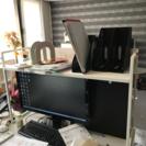 事務机とブックガード − 大阪府