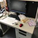 事務机とブックガード - 大阪市