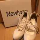 美品 Newlyme ホワイト パンプス