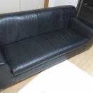 3人掛け 黒いソファ