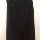 黒のラメ入りスカート