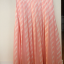 ピンクのフレアスカート