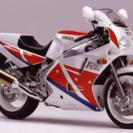 《商談中》ヤマハFZR1000(型式3LE)